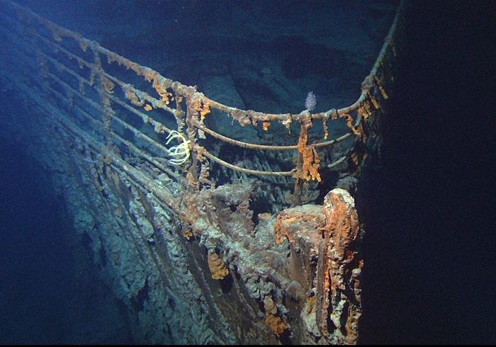 Titanic Wreck Bow Image: Public Domain (NOAA-http://www.gc.noaa.gov/images/gcil/ATT00561.jpg)
