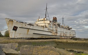 Duke of Lancaster beached near Mostyn, North Wales, UK (2010) Photo:Berit from Redhill/Surrey, UK(via Wikipedia)