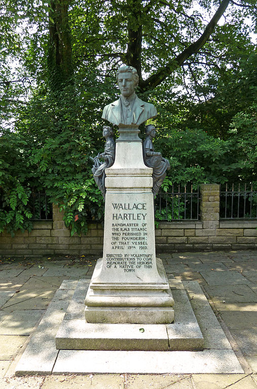 Memorial to Wallace Hartley, Colne Photo:Tim Greene (Flickr)