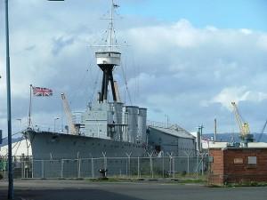 HMS Caroline at dock in Belfast (2006) Photo:Dom0803(Wikipedia)