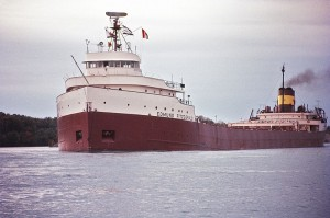 Edmund Fitzgerald(1971) Photo: Greenmars(Wikipedia)
