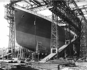 RMS Titanic ready for launch(1911) Public Domain (U.S. Library of Congress, digital id#cph.3a27541)